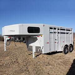 Titan Primo 14 ft 2-Horse Gooseneck Trailer